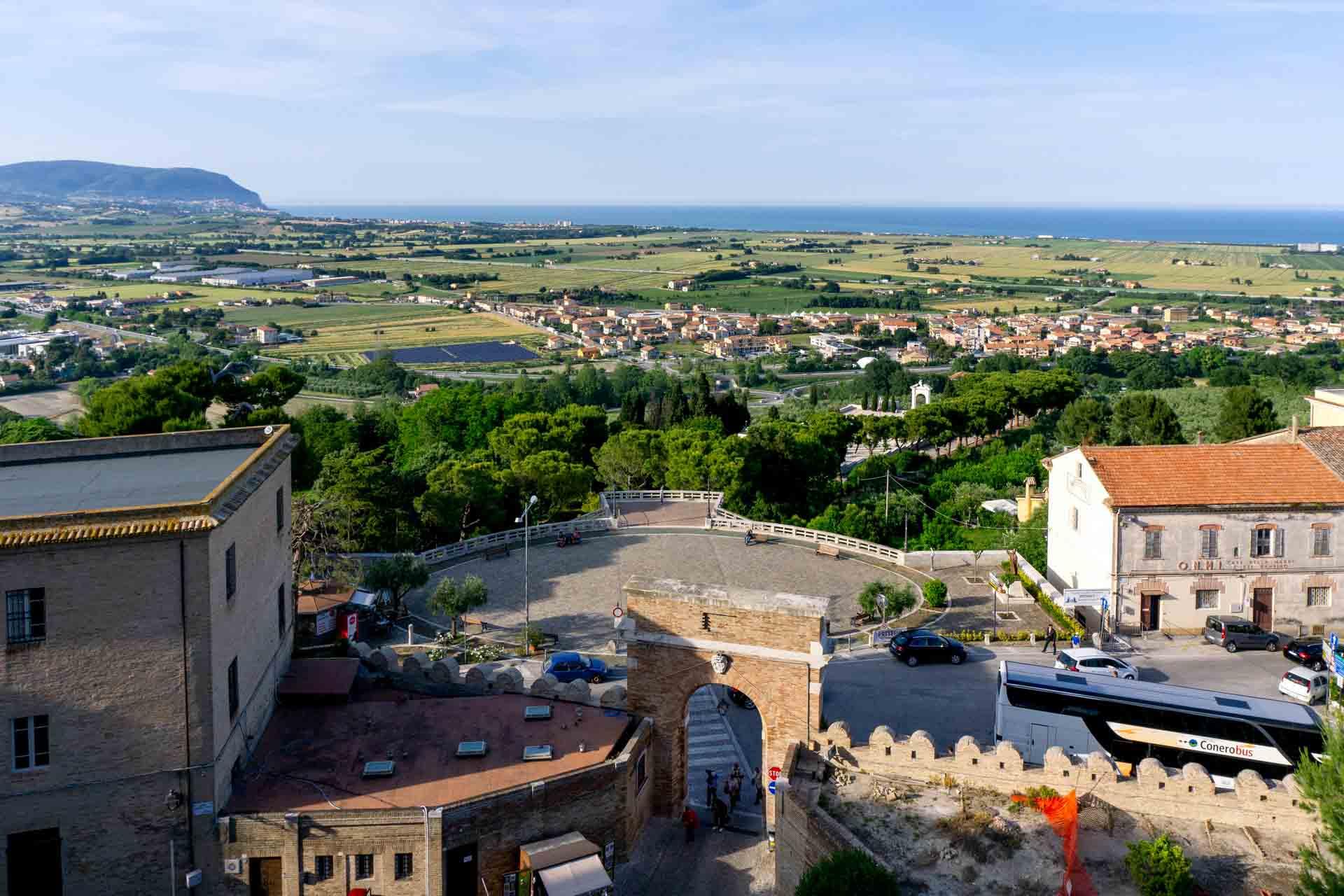 Loreto – Camminamenti di Ronda della Basilica (3) Porta Marina