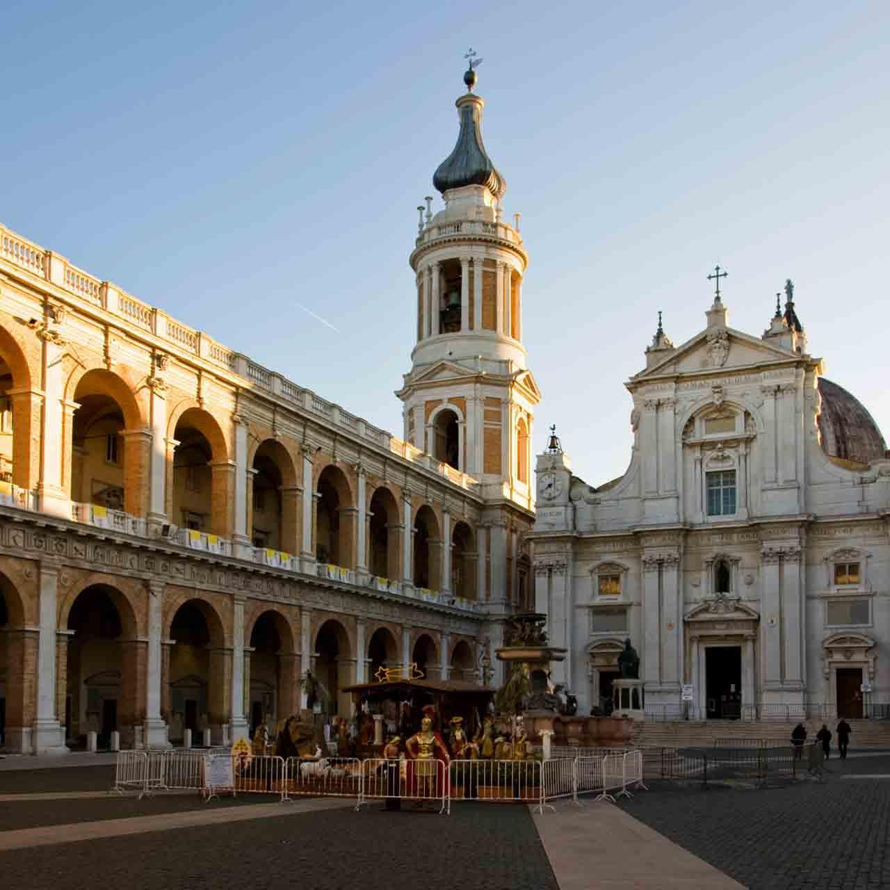 Loreto, piazza della Madonna durante il natale