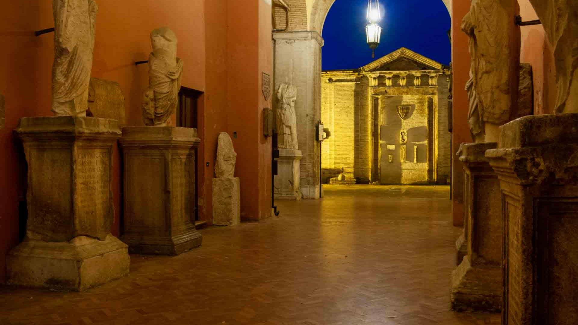 Palazzo comunale, atrio – © Sauro Strappato