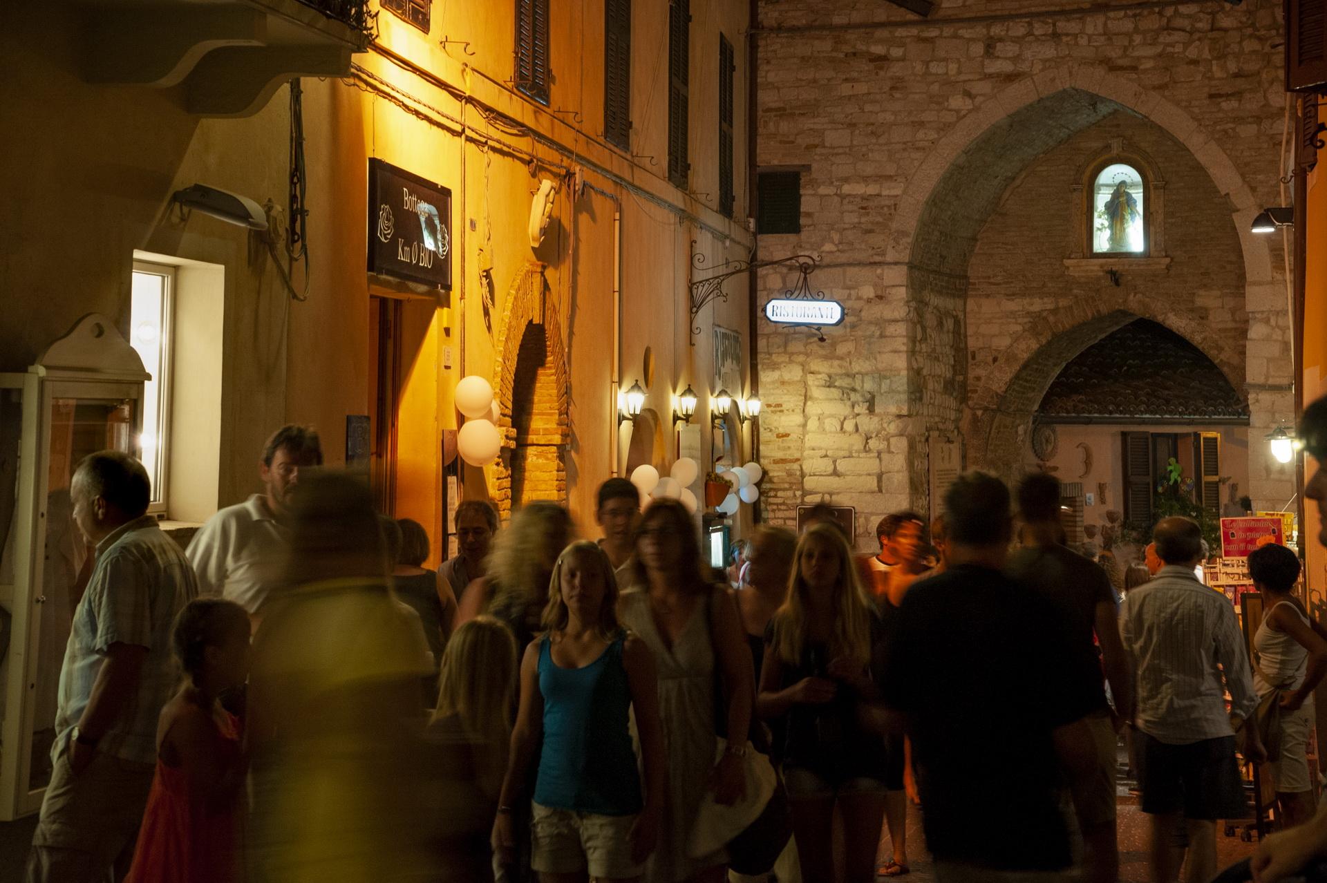 Sirolo, Arco Gotico e Corso Italia © Sauro Strappato
