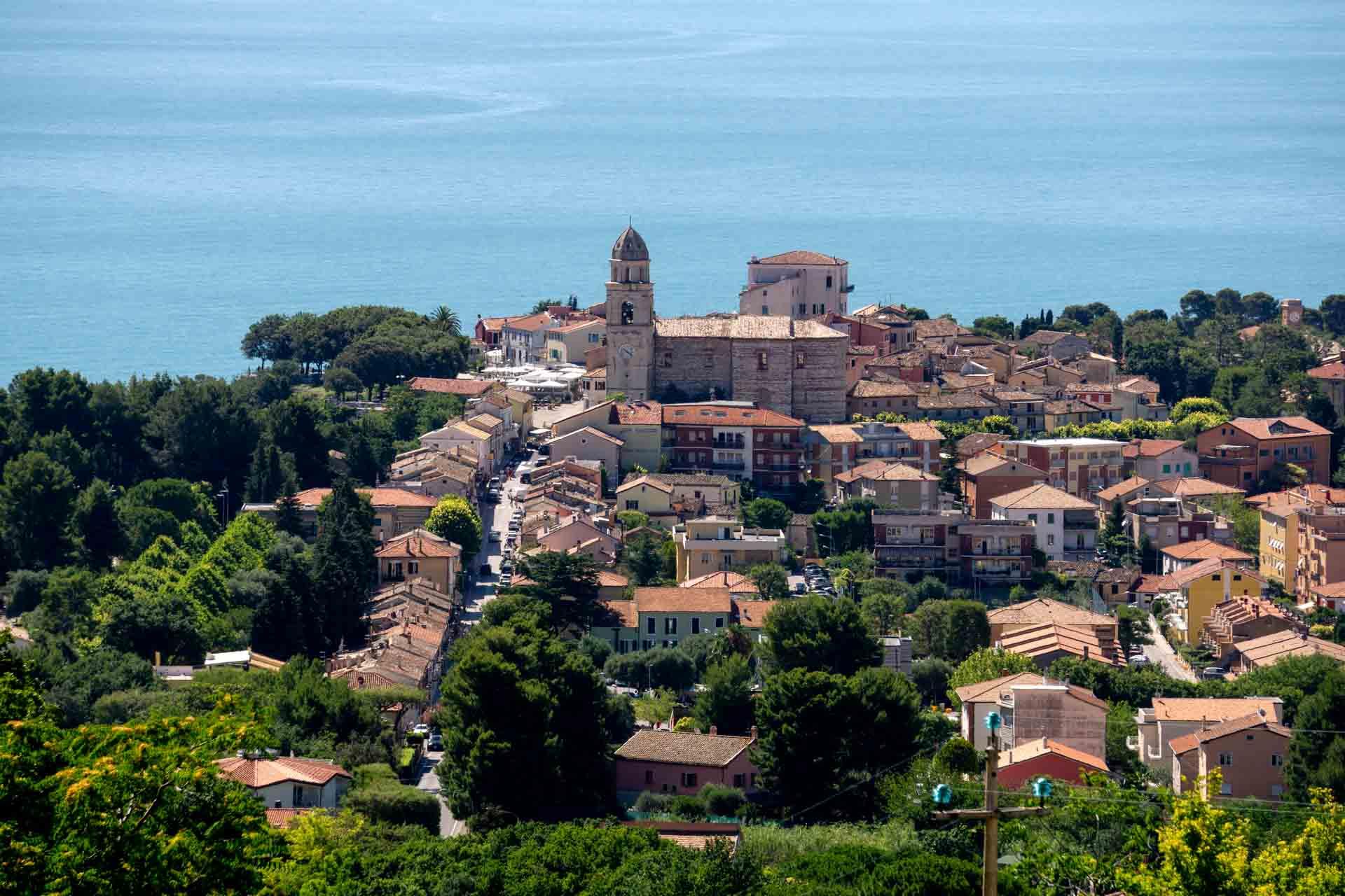 Sirolo, panorama del Centro Storico © Sauro Strappato